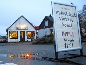 Salto Mortale med idustriellt, retro, vintage och konst är det senaste tillskottet i Brösarps butiksutbud.