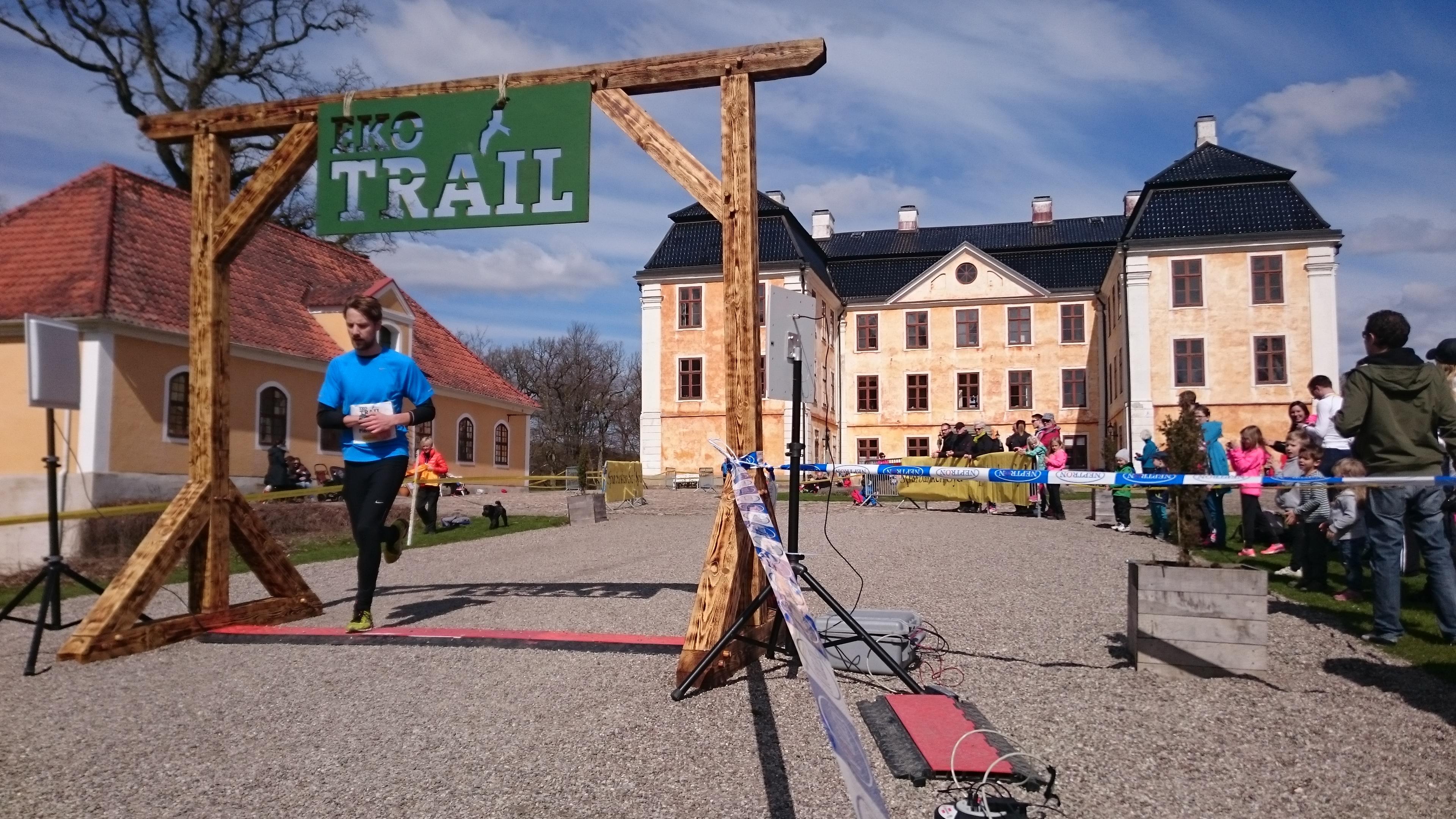 Pierre Johan Käll från Club Käll går i mål på elfte bästa herrtid, 1.13.05 (tim/min/sek). Foto: Fabian Rimfors