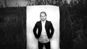 Med ett ben på varsin sida sundet @ Brösarps konsthall | Skåne län | Sverige
