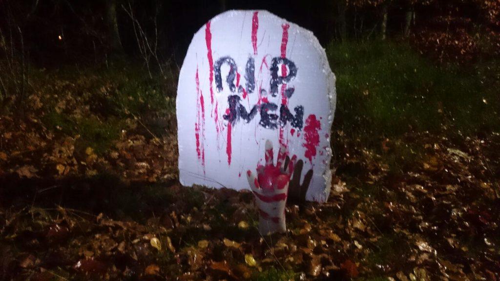 Gravsten Halloween spökrunda.